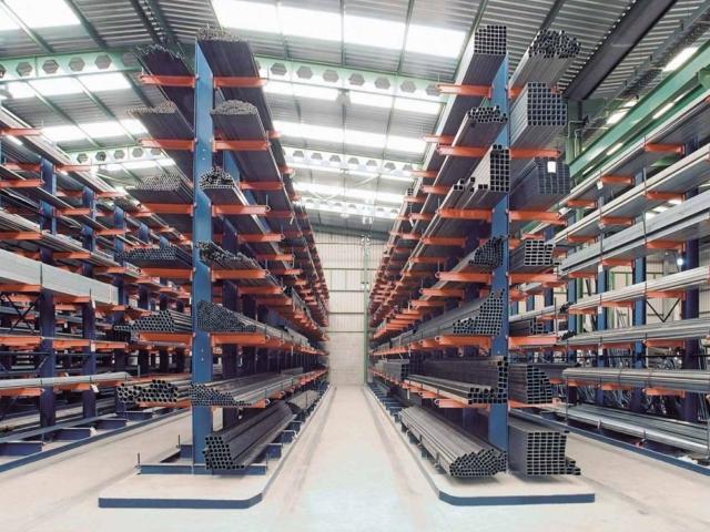 Medium duty cantilever racking and heavy duty cantilever racking | Cantilever rack suppliers and installers Ireland - Fayco