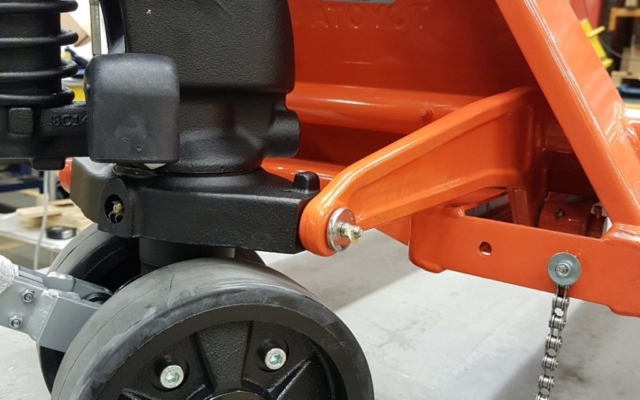 Hand pallet truck Wheels in Nylon, Polyurethane and Rubber. Tandem load rollers for easy pallet entry.